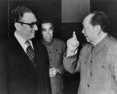 El eurocomunismo es anticomunismo , videos sobre el libro tan conocido de Enver Hoxha Photo4